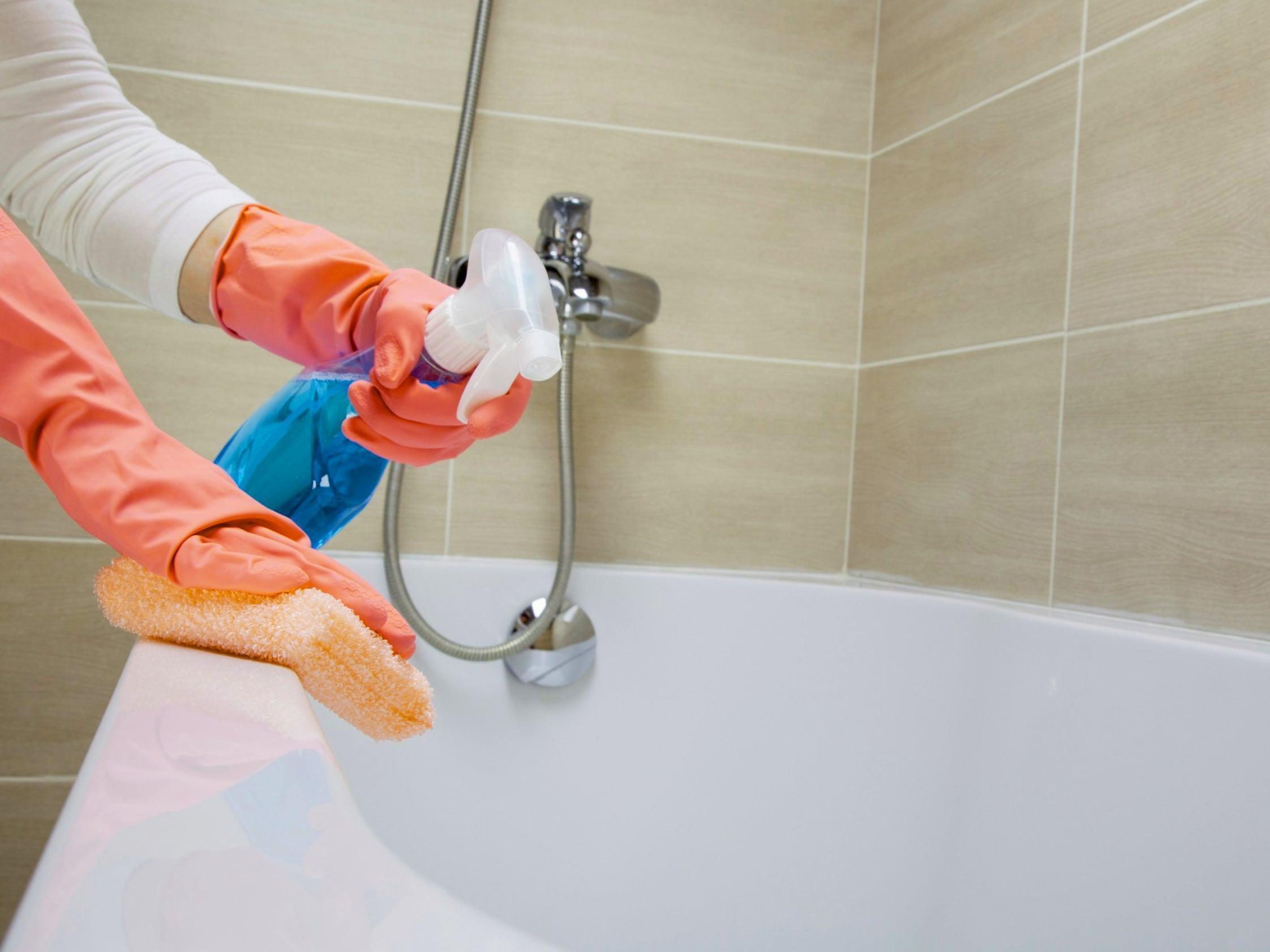 Как отмыть ванну от желтых пятен.