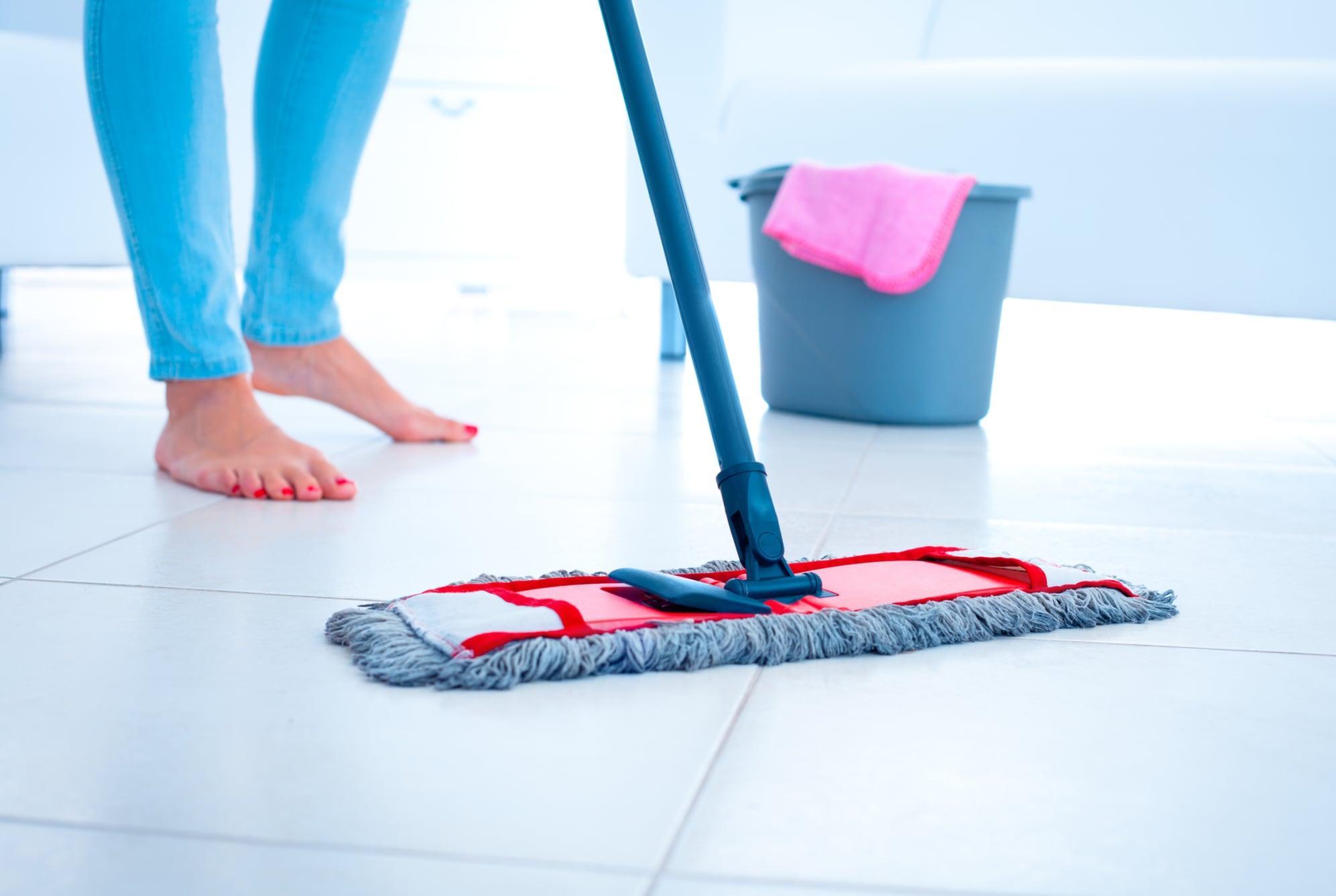 Влажная уборка пола: как правильно, эффективно и быстро мыть полы?